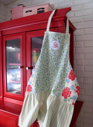 Allison apron 2009 (4)