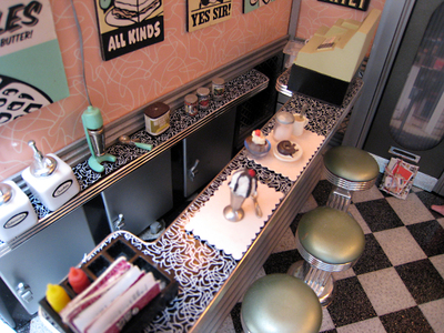 Club_mini_swap_diner_counter