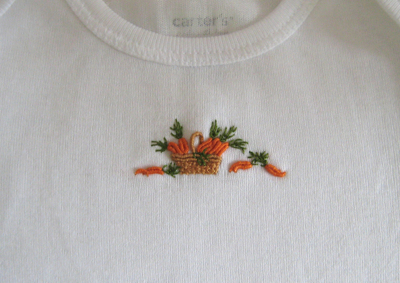 Carrot_onesie_detail