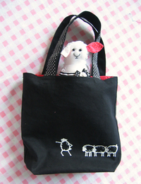 Sheep_with_tote